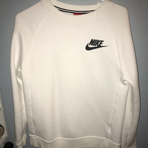 Nike Nike TopsWhite TopsWhite Sweatshirt Sweatshirt Nike Poshmark Sweatshirt TopsWhite Poshmark BdxeCor